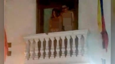 Pareja tuvo relaciones en balcón